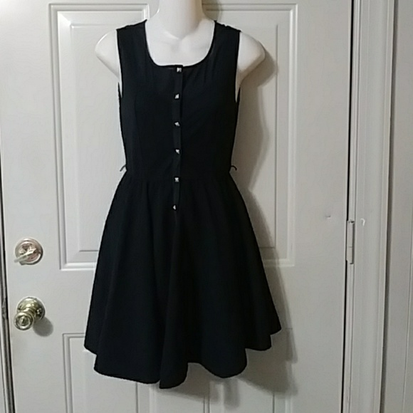 hollywould Dresses & Skirts - Hollywould little black dress LBD